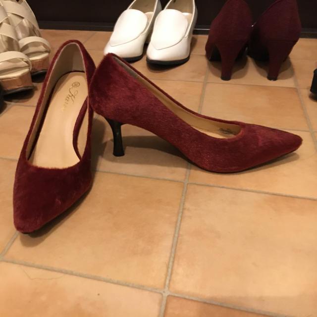 ハラコ風赤パンプス レディースの靴/シューズ(ハイヒール/パンプス)の商品写真