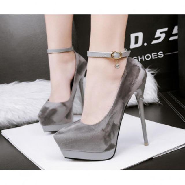 【新作】ワンポイント ハイヒール パンプス 高級感 グレー レディースの靴/シューズ(ハイヒール/パンプス)の商品写真