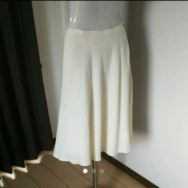 Rope' Picnic(ロペピクニック)の美品 ロペピクニック白スカート レディースのスカート(ひざ丈スカート)の商品写真