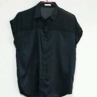 ジーユー(GU)のGU ☆ 黒 ブラウス(シャツ/ブラウス(半袖/袖なし))