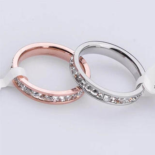 368 キラキラスワロ付きサイズ充実★荒れない錆びない剥げないリング(リング(指輪))