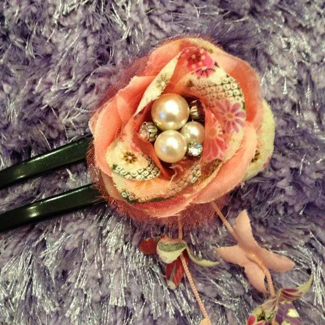 浴衣 髪飾り ヘアアクセ ピンク 和服 レディースの水着/浴衣(和装小物)の商品写真