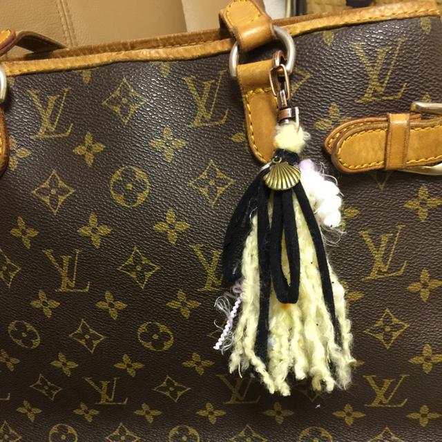 タッセルチャーム ハンドメイドのファッション小物(バッグチャーム)の商品写真