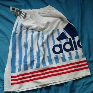アディダス(adidas)のいちご大福様専用 adidas  ラップバスタオル(タオル/バス用品)