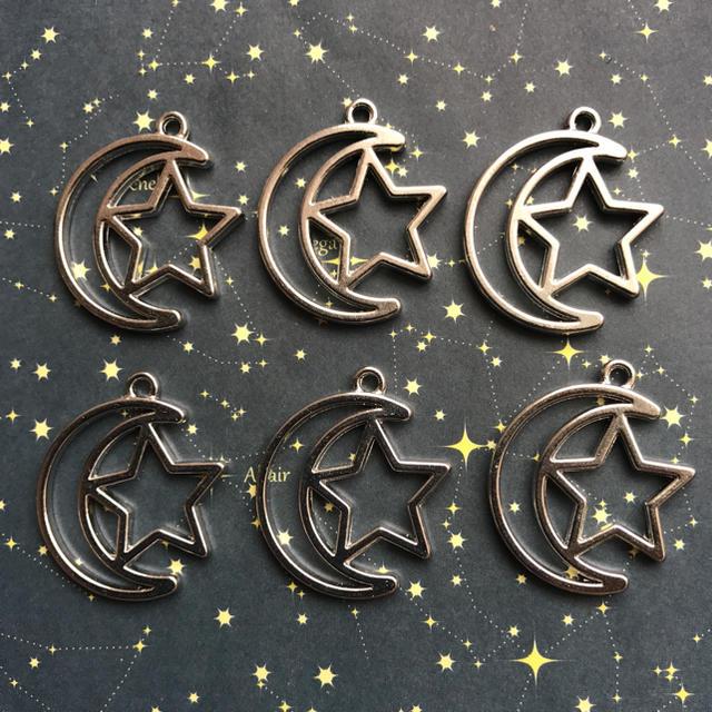 月と星の空枠 6個セット ハンドメイドの素材/材料(各種パーツ)の商品写真