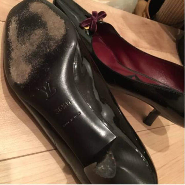 LOUIS VUITTON(ルイヴィトン)のルイヴィトン  黒×ワインエナメルパンプス  送料込み レディースの靴/シューズ(ハイヒール/パンプス)の商品写真