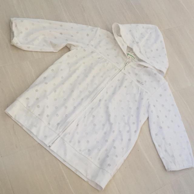 3can4on(サンカンシオン)の3can4on ♡ 水玉模様パーカー サイズ110 キッズ/ベビー/マタニティのキッズ服女の子用(90cm~)(カーディガン)の商品写真