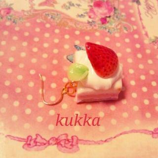 苺ケーキの片耳ピアス(ピアス)