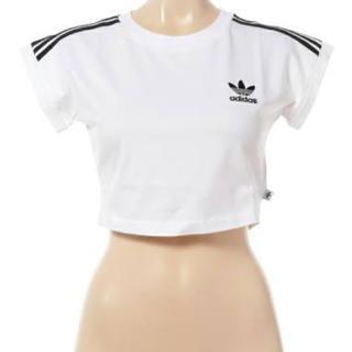 アディダス(adidas)のadidas short丈 クロップド tシャツ(Tシャツ(半袖/袖なし))