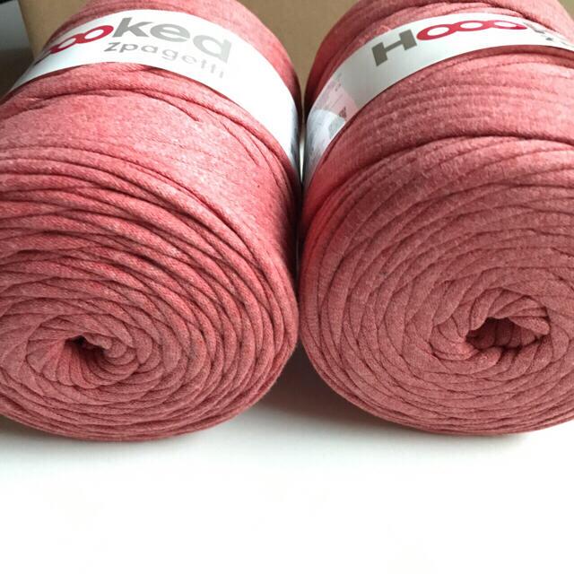 フックドゥズパゲッティ 糸 玉売り ピンクレッド 120m×2個セットです♡ ハンドメイドの素材/材料(生地/糸)の商品写真