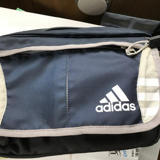 アディダス(adidas)のアディダスのバック(ショルダーバッグ)