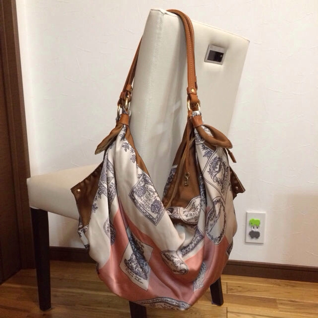 0a26ce662989 TOPKAPI(トプカピ)のトプカピ♡スカーフデザインバッグ 送料込 レディースのバッグ(