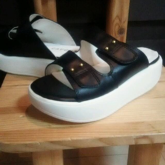 新品/22.5cm/サンダル/黒/cavour/激安 レディースの靴/シューズ(サンダル)の商品写真