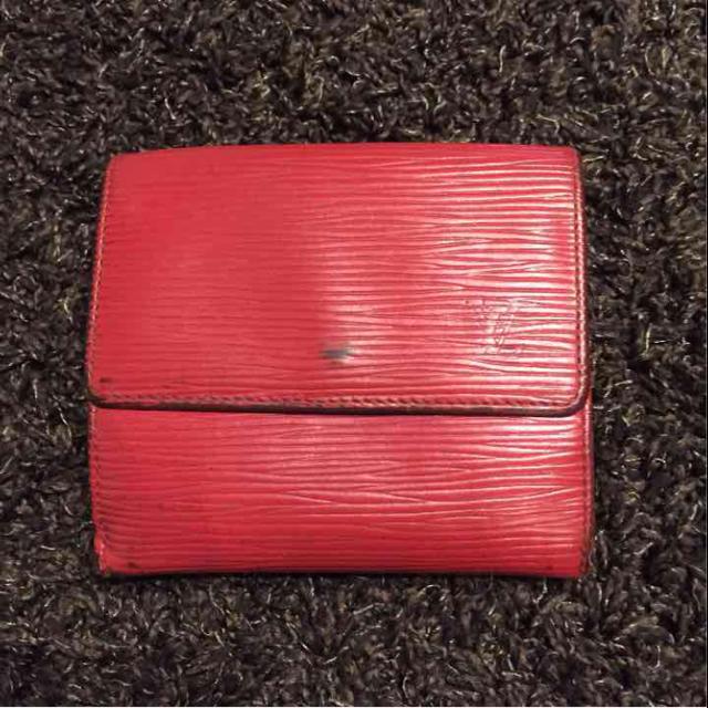 brand new f69c7 f3958 ルイヴィトン エピ 2つ折り 財布 赤   フリマアプリ ラクマ