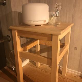 イケア(IKEA)のミニ机、テーブル木目IKEA(ローテーブル)