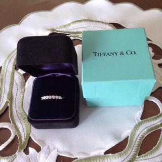 ティファニー(Tiffany & Co.)のティファニー エンブレイスバンドリング 7P(リング(指輪))