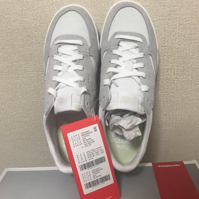 New Balance(ニューバランス)の☆新品☆ニューバランス CRT300 FF ホワイト 23.5 レディースの靴/シューズ(スニーカー)の商品写真