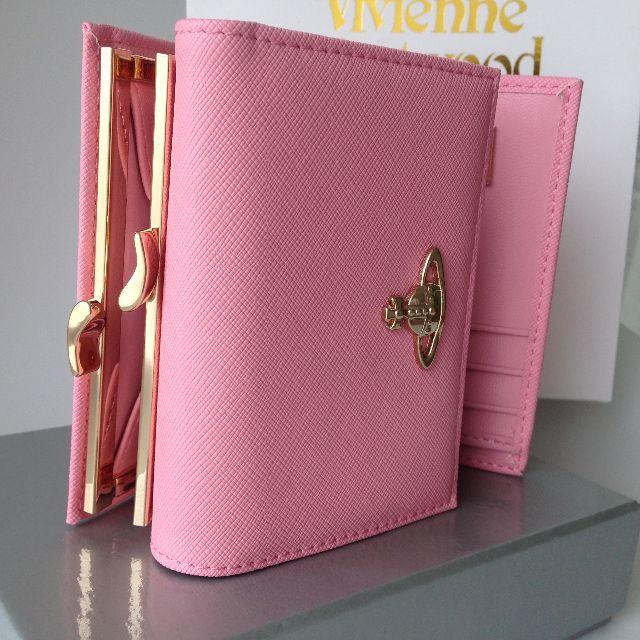 d3343b173a20 Vivienne Westwood(ヴィヴィアンウエストウッド)のヴィヴィアン ウエストウッド V13106 三つ折り財布 ピンク