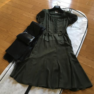 ヴァレンティノガラヴァーニ(valentino garavani)のVALENTINOドレスみるくたんたん様専用(ひざ丈ワンピース)