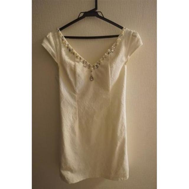 ★送料無料★ 白 高級ドレス ビジュー 上品 セクシー ミニドレス レディースのフォーマル/ドレス(ミニドレス)の商品写真
