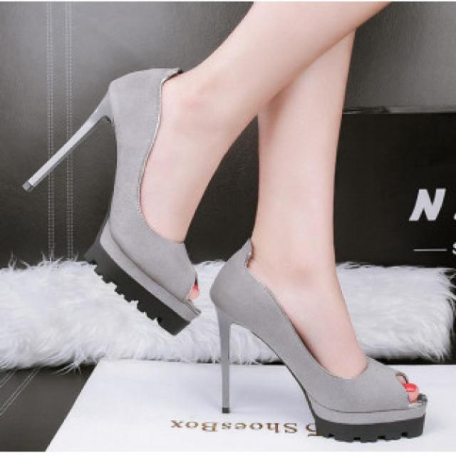 【新作】履きやすい ハイヒール パンプス 高級感 グレー レディースの靴/シューズ(ハイヒール/パンプス)の商品写真