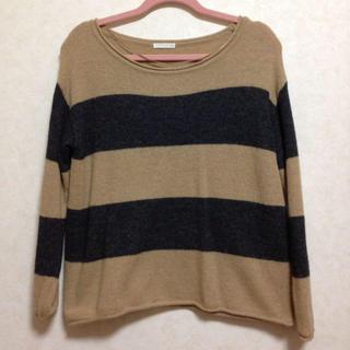 ジーユー(GU)のゆったり ニットトップス(Tシャツ(長袖/七分))