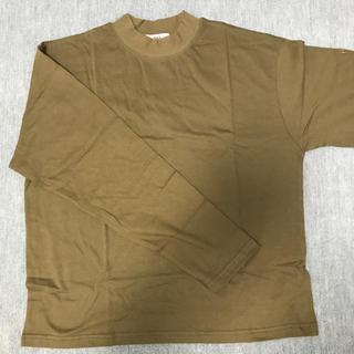 ミックスエックスミックス(mixxmix)のHAS カーキトップス(Tシャツ(長袖/七分))