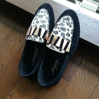 豹柄の靴(ローファー/革靴)