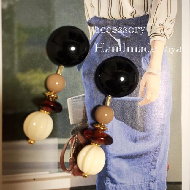 22*新作♡ハンドメイド 黒カボション オールシーズン 大人ピアス ハンドメイドのアクセサリー(ピアス)の商品写真