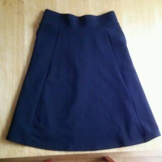 ジーユー(GU)の黒スカート(ひざ丈スカート)