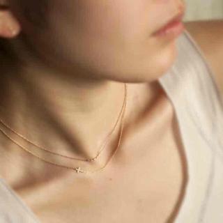 オーロラグラン(AURORA GRAN)の刻印あり K18 18金 オーロラグラン サイドクロスネックレス ネックレス(ネックレス)