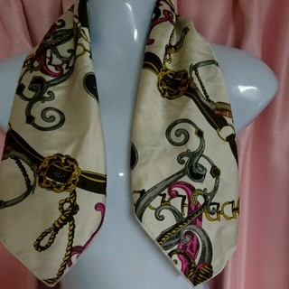 さらに値下げ 新品 スカーフ (パル)(バンダナ/スカーフ)