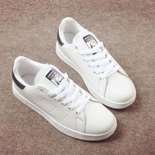 アディダス(adidas)の高質新品男女通用スニーカー/黒各色サイズあり送料無料(スニーカー)