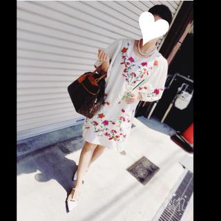 ザラ(ZARA)の新品♡ZARA 刺繍ワンピース(ミニワンピース)