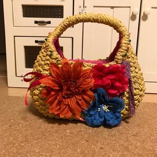 コキュ(COCUE)のcocue お花いっぱいカゴバック (かごバッグ/ストローバッグ)