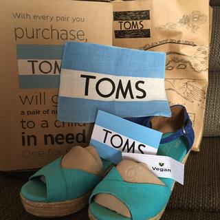 トムズ(TOMS)のTOMS ウエッジサンダル ブルー 25.5(サンダル)