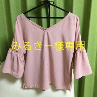 ジーユー(GU)のGU トップス(シャツ/ブラウス(半袖/袖なし))