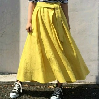 ミラオーウェン(Mila Owen)のお値下げ☆ミラオーウェン☆リネンフレアスカート☆イエロー☆VERY(ロングスカート)