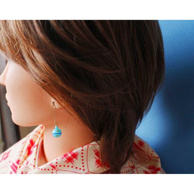 ヨーヨー イヤリング (ブルー) ハンドメイドのアクセサリー(イヤリング)の商品写真