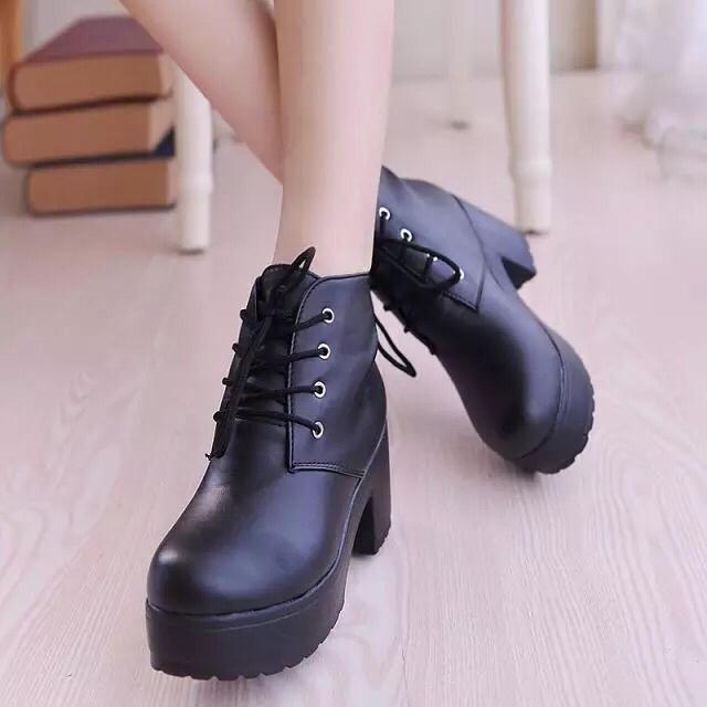 【ブラック】新作レディース 厚底 ブーティ ショートブーツ ヒール レースアッ▽ レディースの靴/シューズ(ブーツ)の商品写真