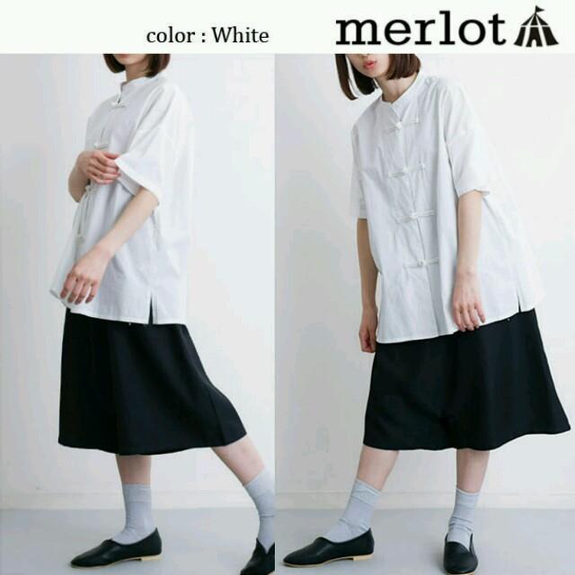 merlot(メルロー)の今季新作♡メルロー チャイナトップス シャツ 白 レディースのトップス(シャツ/ブラウス(半袖/袖なし))の商品写真