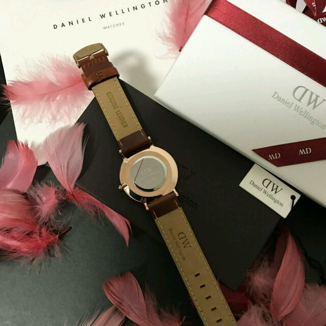 Daniel Wellington(ダニエルウェリントン)の【無料特典付き✨】DW ダニエルウェリントン ブラウン  レディースのファッション小物(腕時計)の商品写真