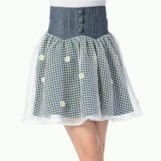 リズリサ(LIZ LISA)の新品未使用 LizLisa 美品☆花付きオーガンジースカート(ひざ丈スカート)