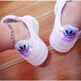 アディダス(adidas)の7月の値段!!高質新品男女通用スニーカー/レインボー各色サイズあり送料無料(スニーカー)