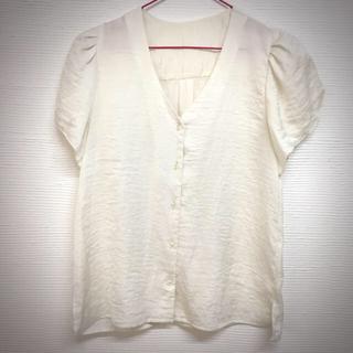 ジーユー(GU)のGUサテンブラウス(シャツ/ブラウス(半袖/袖なし))