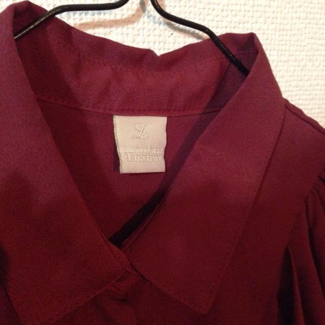 LIMITLESS LUXURY(リミットレスラグジュアリー)の♡赤のバルーン袖ブラウス♡ レディースのトップス(シャツ/ブラウス(半袖/袖なし))の商品写真