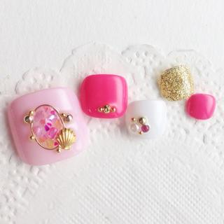 RUNA♪フットネイル♡ピンクシェルブローチネイルチップ