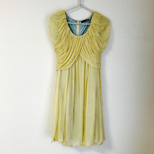 【美品】 シルクイエローワンピース 結婚式 レディースのフォーマル/ドレス(ミディアムドレス)の商品写真