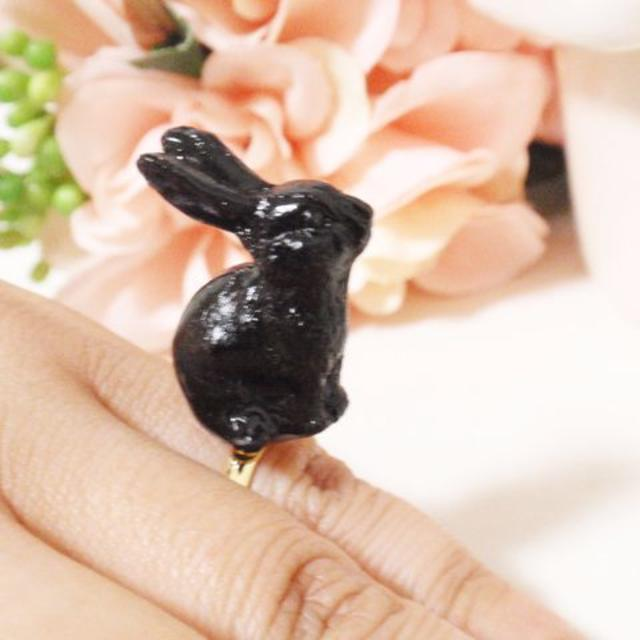 黒ウサギリング★フリーサイズ★ギフトにも!森のウサギ★ ハンドメイドのアクセサリー(リング)の商品写真