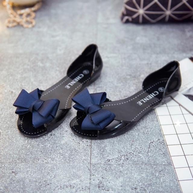 上品かわいい☆フラットシューズ リボン オープントゥ ☆ブラック 23.5 レディースの靴/シューズ(サンダル)の商品写真